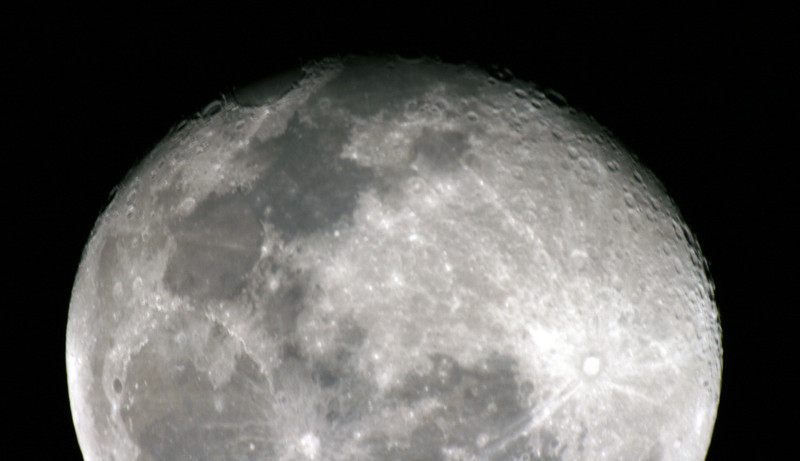 Gibbous Moon (17 days old) - 25/09/2010 (Processed)