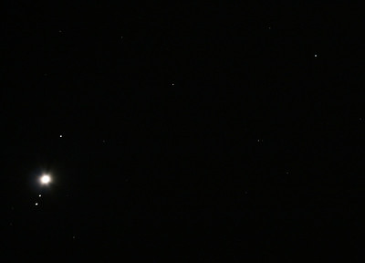 Uranus (top right), Juipter and 3 Galilean Moons (bottom left) 26/09/2010 (Processed)
