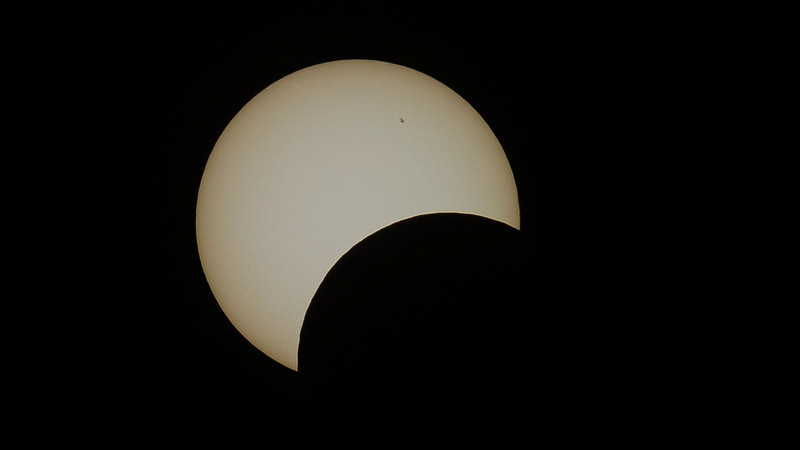 Eclipse video from San Jose, California! Nikon D3s + AP Traveler (105mm aperture F/6) Video is Full HD and is mostly comprised of images taken about 12 seconds apart.