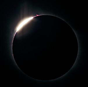 Solar Eclipse -  The Diamond Ring Effect  Location: Mediterranean sea, 2006-03-29  Instrument: Takahashi FS78 f8 + Canon 350D