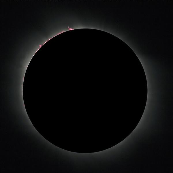 Solar Eclipse -  Totality<br /> <br /> Location: Mediterranean sea, 2006-03-29<br /> <br /> Instrument: Takahashi FS78 f8 + Canon 350D