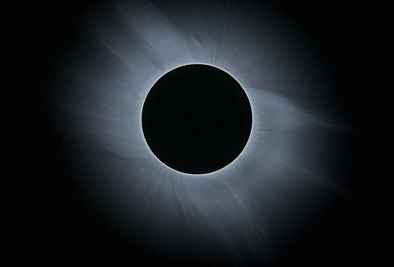 Solar Eclipse - The Corona<br /> <br /> Location: Mediterranean sea, 2006-03-29<br /> <br /> Instrument: Takahashi FS78 f8 + Canon 350D