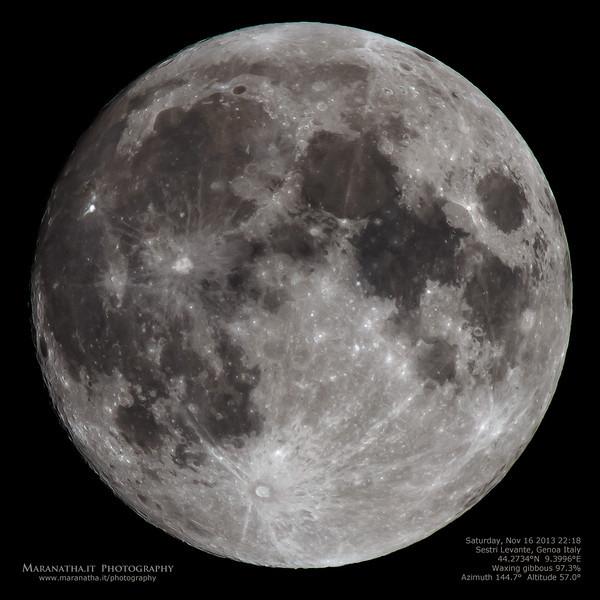Saturday, November 16 2013 22:18 Sestri Levante, Genoa Italy 44.2734°N  9.3996°E  Waxing gibbous 97.3%  Azimuth 144.7°  Altitude 57.0°