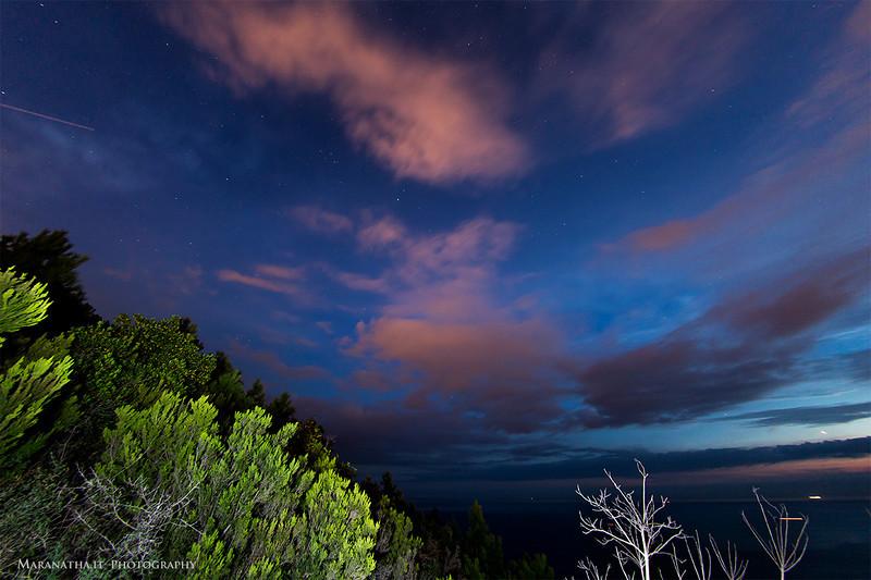 02/10/2013 – 19:57 Le prime stelle visibili al crepuscolo, dal Monte Castello guardando Sud. Sestri Levante, Genoa Italy