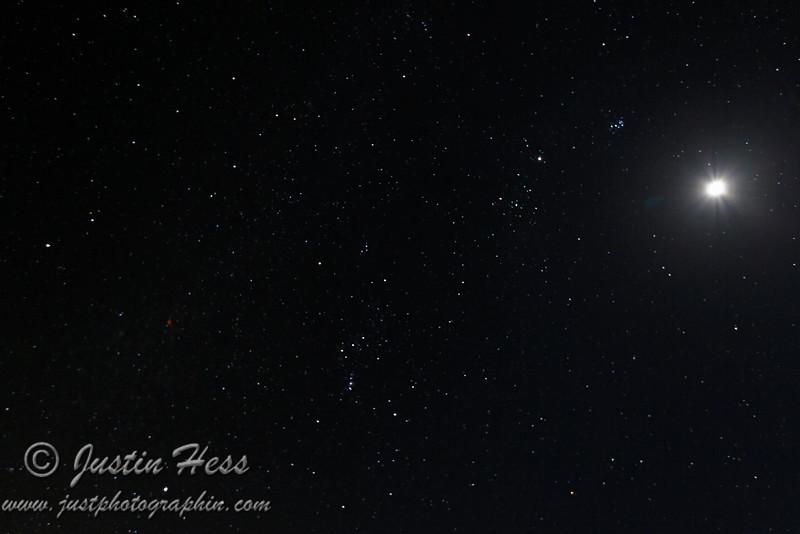 Slightly wider angle of the last shot.  Orion, Taurus, Jupiter, Moon