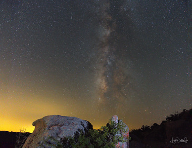 D500_EchantedRock_Rock_MilkyWay_9-11-17_7474-1_stitch