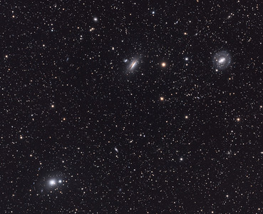 NGC5101, NGC5078 and other galaxies in Hydra