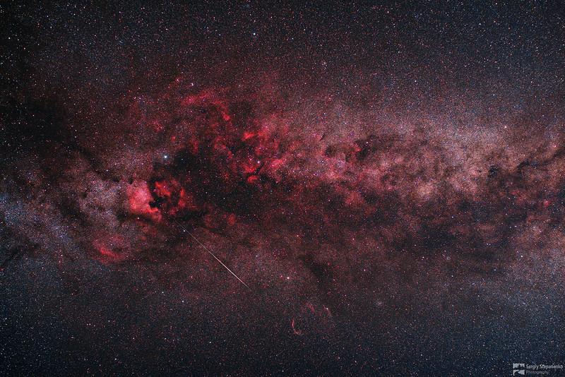 Milky Way in Cygnus and Meteor | Млечный Путь в Лебеде и метеор