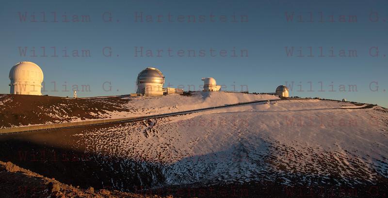 Tourist view Sunset on Mauna Kea Summit, HI 12-03-17
