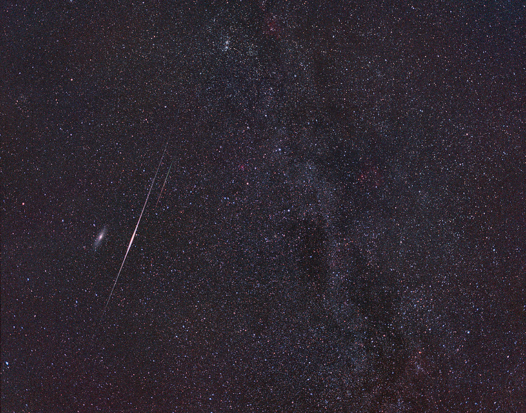 2004 Perseid meteor and Iridium flare