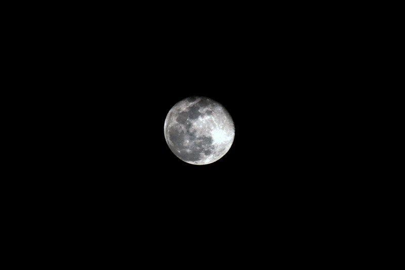 Moon photographed on 27 October 2007 at 2245 hours from home (Farlim, Penang)