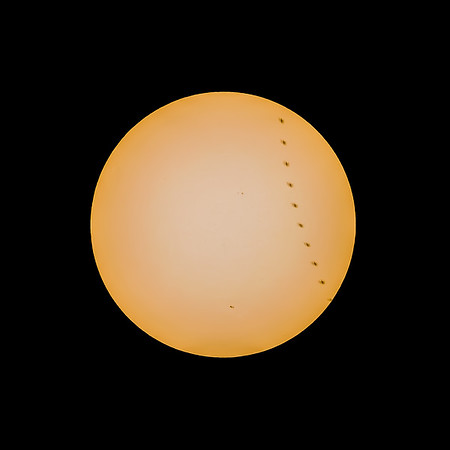 Unknown flying object transiting the Sun