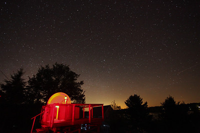 Stars Over Black Lake Observatory Canon 5D Mark II with 17-40mm F4 lens at 17mm ISO 6400, 30 seconds