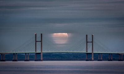 Full Moon over the severn bridge