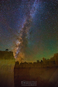 Milky Way over the Queen's Wall, Queen's Garden, Bryce Canyon National Park