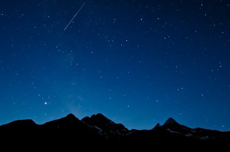 Perseids Meteor Over the North Cascades