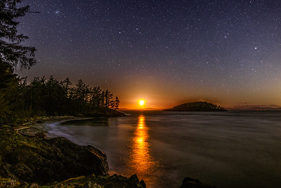 Deception Pass Moonset