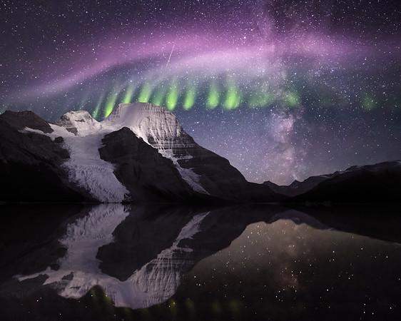 Berg Lake Aurora