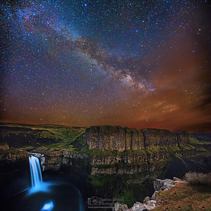 The Milky Way over Palouse Falls, Washington
