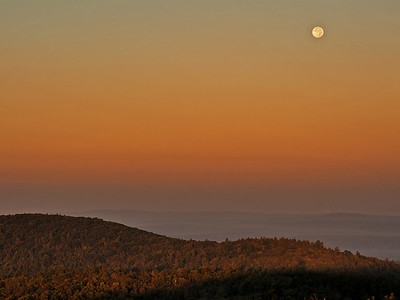 Thursday, September 6, 2012  Moonset  The full moon setting last Saturday at sunrise, Pitcher Mt. Stoddard, NH.