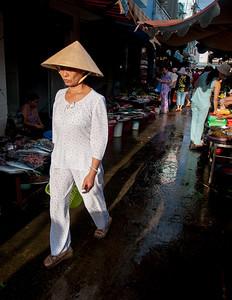 #nowshowingatqspace #saigonstreet #saigonstyle #vietnamstreetstyle #streetphotography #artoftravel #seetheworld