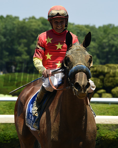 Abel Tasman wins the 2017 Acorn<br /> Coglianese Photos/Susie Raisher