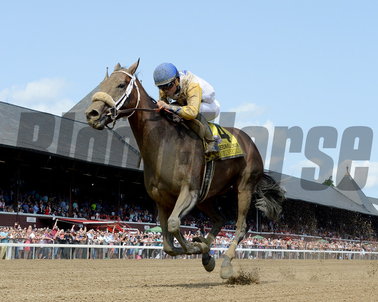 Forever Unbridled wins the 2017 Personal Ensign<br /> Coglianese Photos