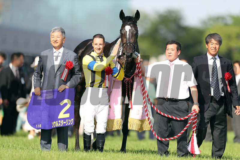 Soul Stirring wins the Japanese Oaks (G1) at Tokyo Racecourse on May 21 2017