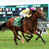 Fourstar Crook wins the 2017 Mount Vernon Stakes