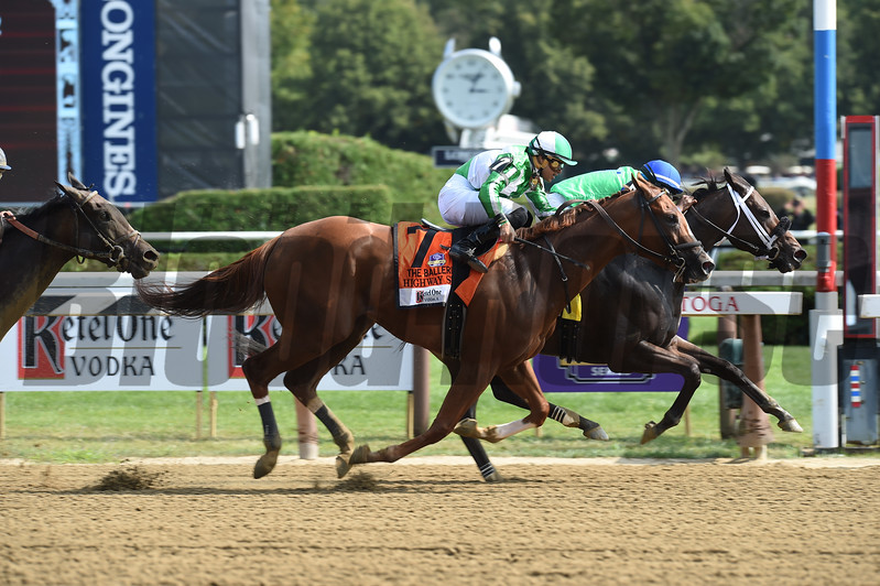 By the Moon wins the 2017 Ballerina<br /> Coglianese Photos/Chris Rahayel