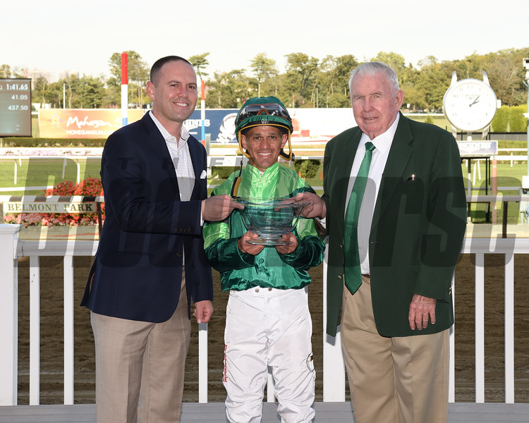Fifty Five wins the 2017 Ticonderoga Stakes<br /> Coglianese Photos