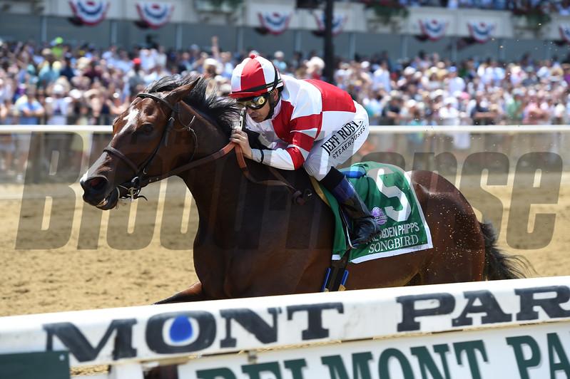 Songbird wins the 2017 Ogden Phipps Stakes<br /> Coglianese Photos/Joe Labozzetta