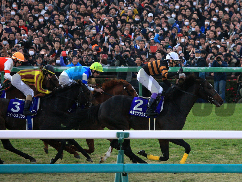 Kitasan Black wins the 2017 Arima Kinen<br /> Naoji Inada Photo