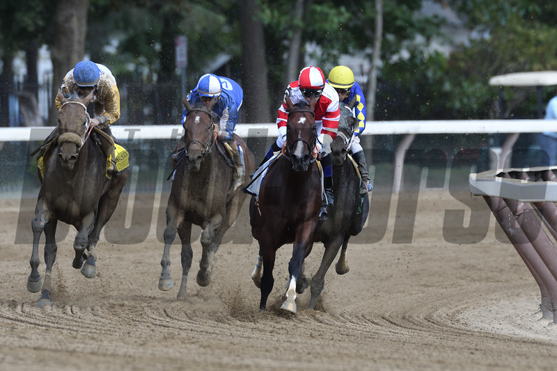 Forever Unbridled wins the 2017 Personal Ensign<br /> Coglianese Photos/Arianna Spadoni