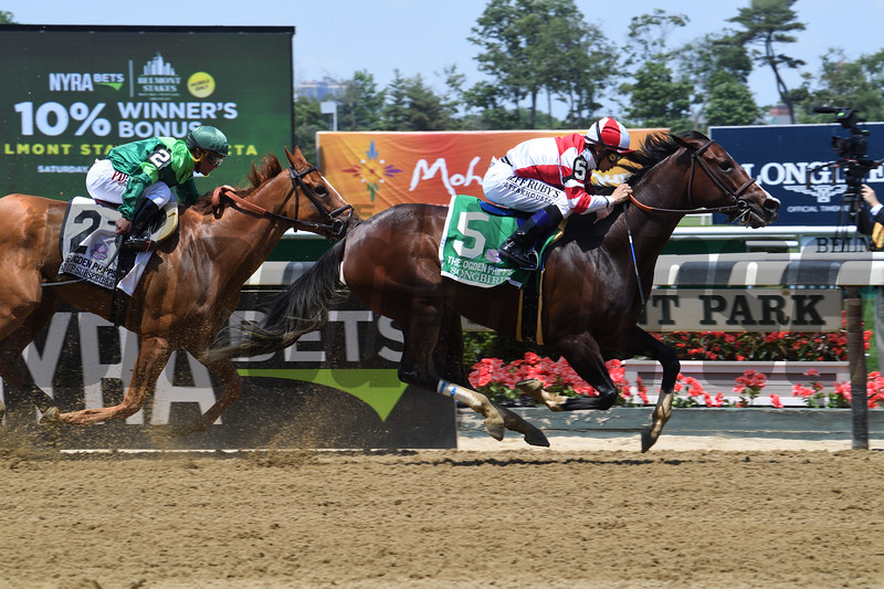 Songbird wins the 2017 Ogden Phipps Stakes<br /> Coglianese Photos/Viola Jasko