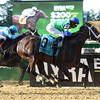 By the Moon wins the 2017 Bed o' Roses Invitational<br /> Coglianese Photos/Susie Raisher