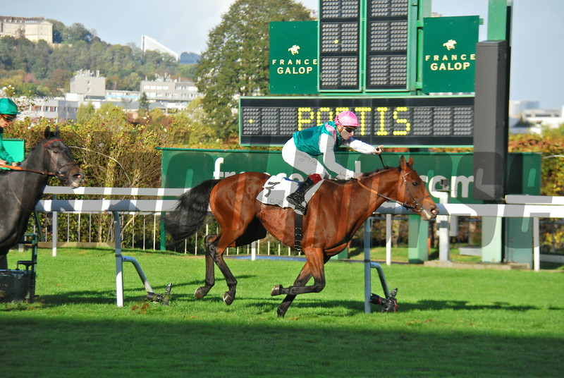 Prix Royal Oak Group 1 race at Saint Cloud, won by Ice Breeze and jockey V. Cheminot