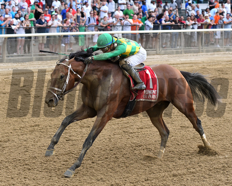 Keen Ice wins the 2017 Suburban<br /> Coglianese Photos/Annette Jasko