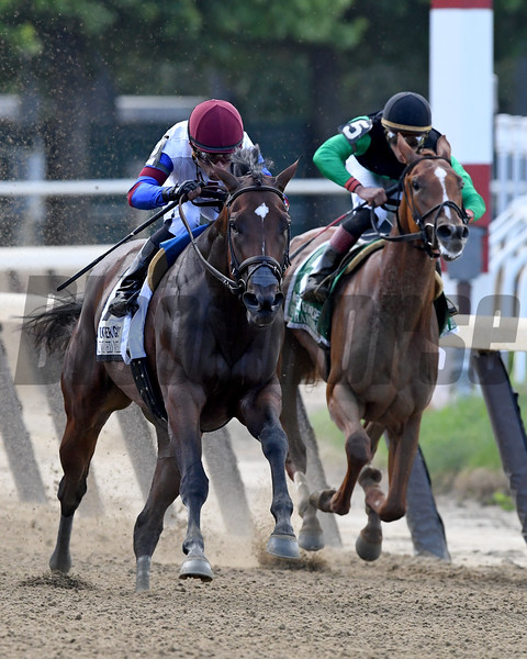 Unchained Melody wins the 2017 Mother Goose<br /> Coglianese Photos/Robert Mauhar