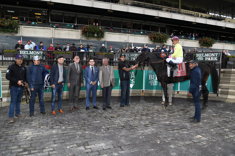 Offering Plan wins the 2018 Mohawk Stakes<br /> Coglianse Photos