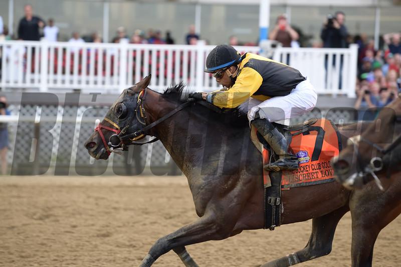 Discreet Lover wins 2018 Jockey Club Gold Cup Stakes at Belmont Park. Photo: Joe Labozzetta