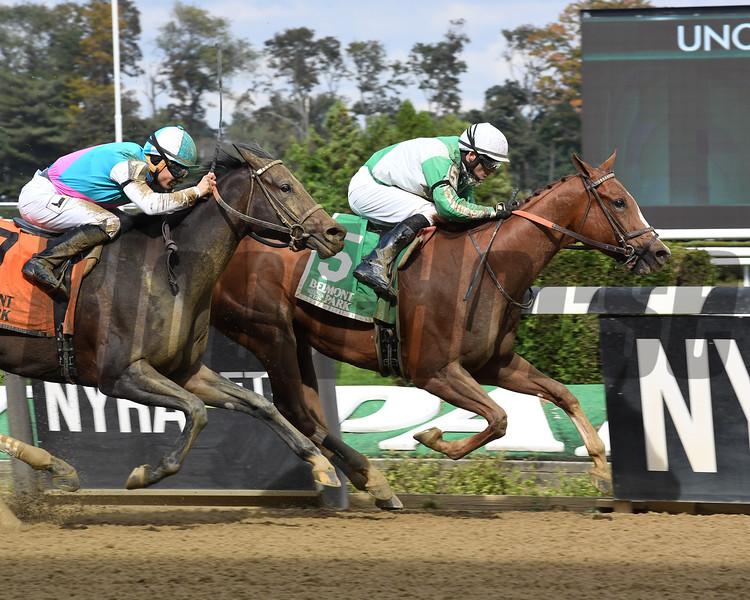 Highway Star wins the 2018 Iroquois Stakes<br /> Coglianese Photos/Susie Raisher