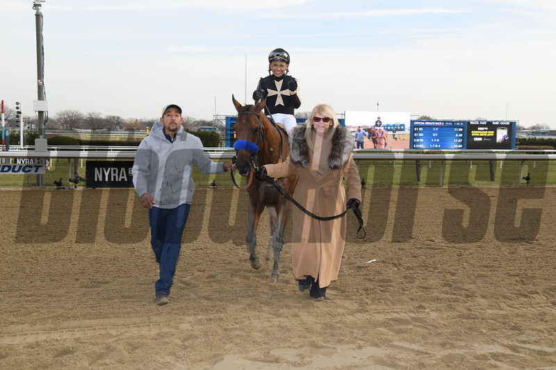 Marley's Freedom wins the 2018 Go for Wand (G3) at Aqueduct<br /> Coglianese Photos