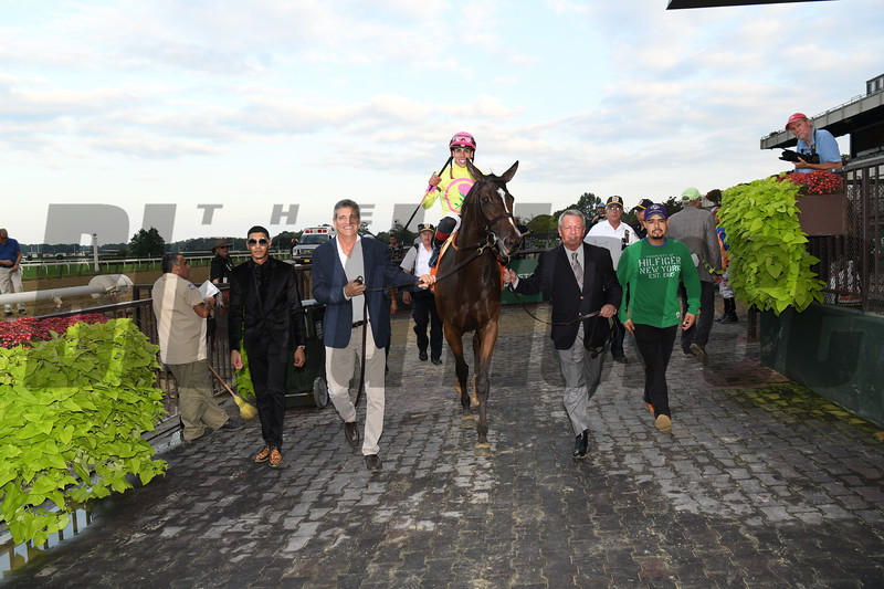 Fourstar Crook wins the 2018 Flower Bowl Stakes<br /> Coglianese Photos