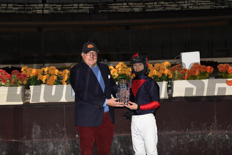 White Flag wins the 2018 Aqueduct Turf Sprint Championship<br /> Coglianese Photos