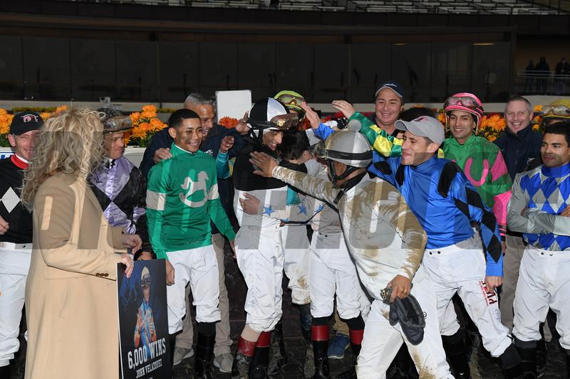 John Velazquez 6,000th win<br /> Singapore Trader, ALW, Aqueduct, November 30, 2018<br /> Coglianese Photos