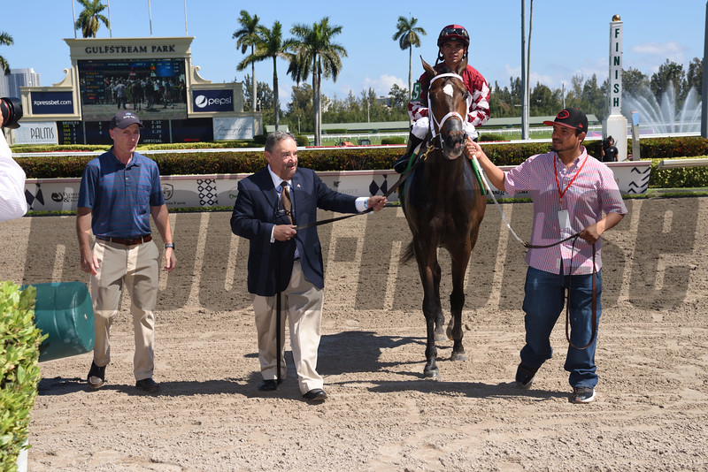 A Thread of Blue wins the 2019 Palm Beach Stakes at Gulfstream Park<br /> Coglianese Photos