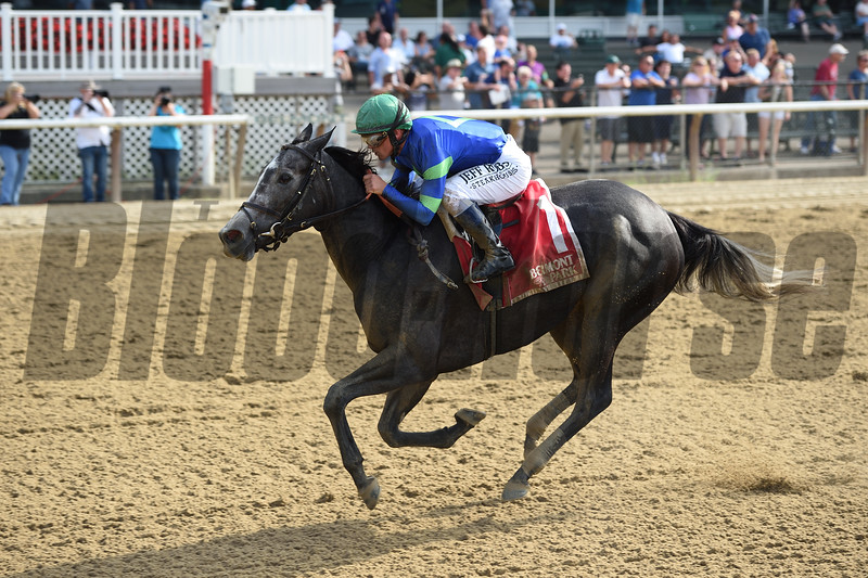 Royal Charlotte wins the 2019 Victory Ride at Belmont Park<br /> Coglianese Photos/Chelsea Durand