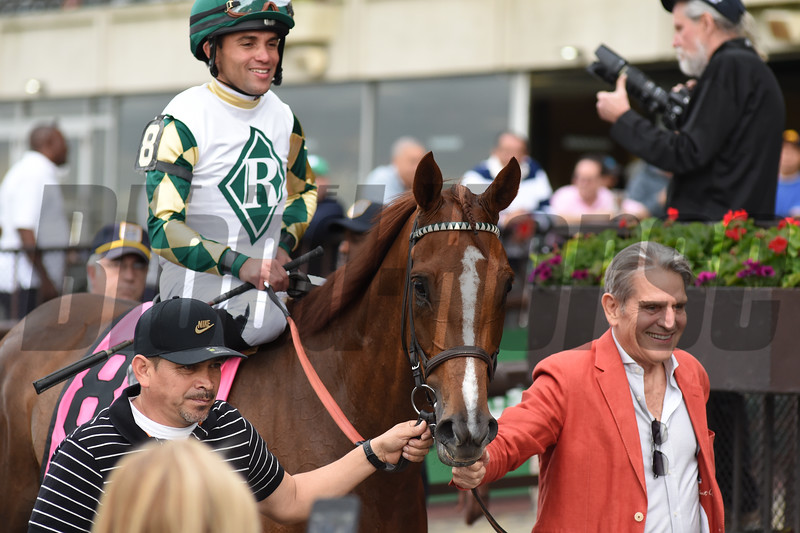 Channel Maker wins the 2019 Man o' War Stakes<br /> Coglianese Photos/Derbe Glass