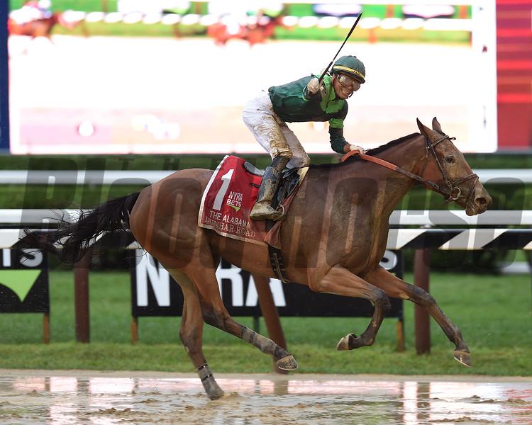 Dunbar Road wins the 2019 Alabama Stakes at Saratoga <br /> Coglianese Photos/Chris Rahayel